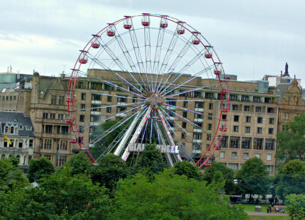 ferris-wheel-edinburgh-scotland-taken-8-4-16-by-ff