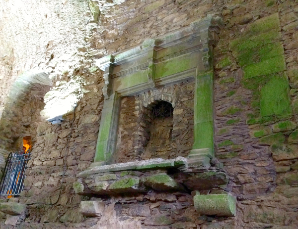 great-hall-fireplace-blarney-castle-ireland-taken-8-13-16-by-ff