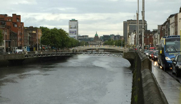 hapenny-bridge-dublin-ireland-taken-8-20-16-by-zephy