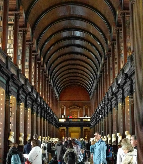old-libary-1-trinity-colleg-dublin-ireland-taken-by-ff